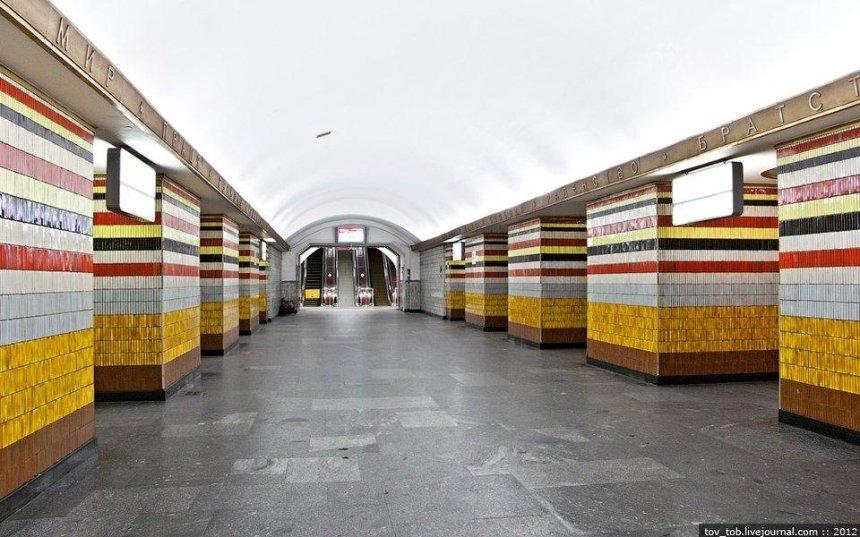 Заминировали: станция «Шулявская» закрыта на вход и выход