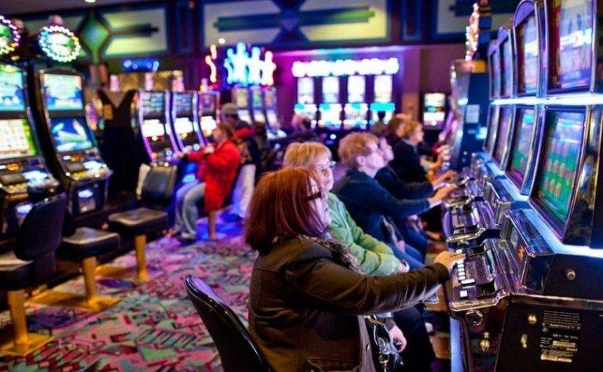 Зеленский заявил, что в Украине частично легализируют казино