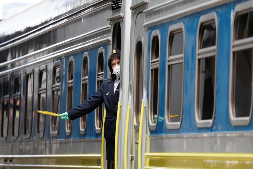 Попытка изнасилования в поезде: в «Укрзализныце» расследуют «крышевание» схемы с безбилетниками