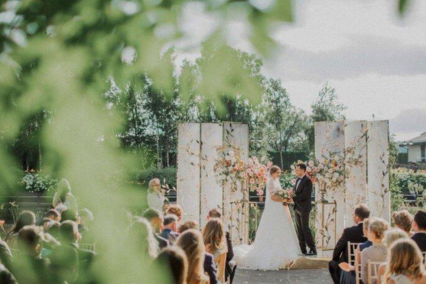 Почему вам нужно доверить свою свадьбу профессионалам