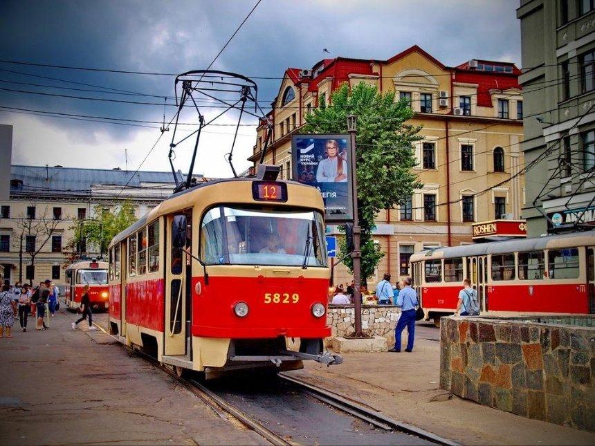 С Подола предлагают убрать трамваи, заменив их автобусами