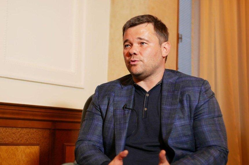 «Угроза от власти»: Андрей Богдан прокомментировал поджог своей Tesla