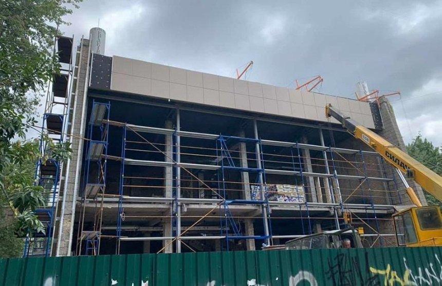 ВКГГА показали, как ремонтируют кинотеатр «Краков» наРусановке