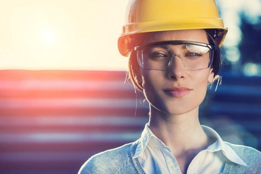 «Инженерка», «директорка», «социологиня»: Минэкономики одобрило феминитивы