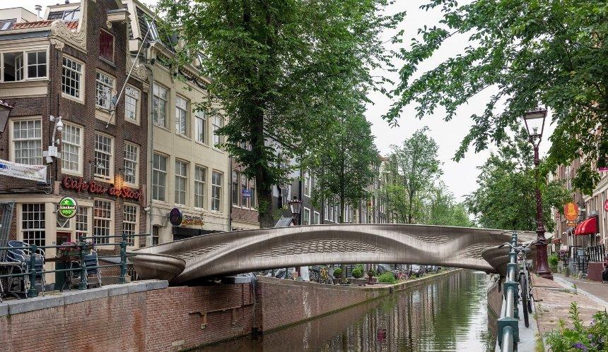 ВНидерландах открыли стальной мост, напечатанный на3D-принтере