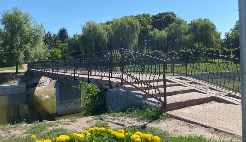 Впарке наСоломенке отремонтируют пешеходный мост