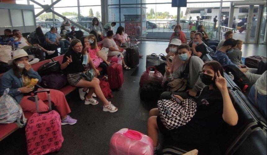 В«Борисполе» самолет Ryanair улетел без группы несовершеннолетних пассажиров