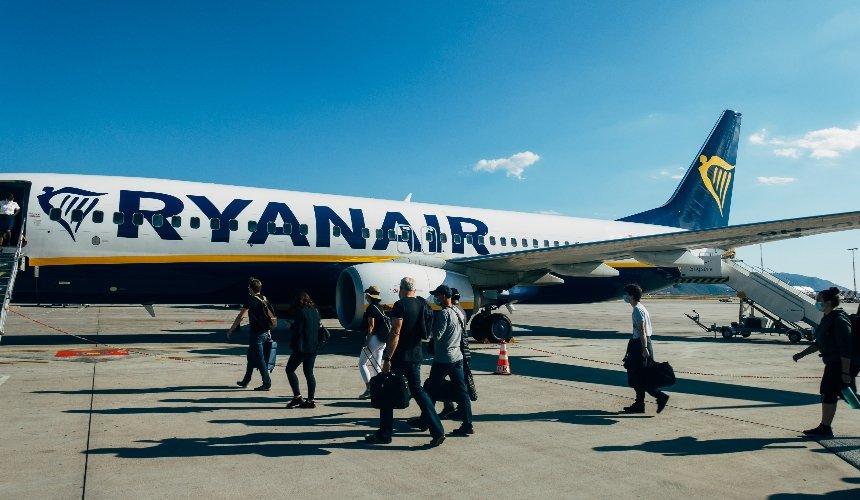 Ryanair признал недействительными билеты, купленные ненасайте компании