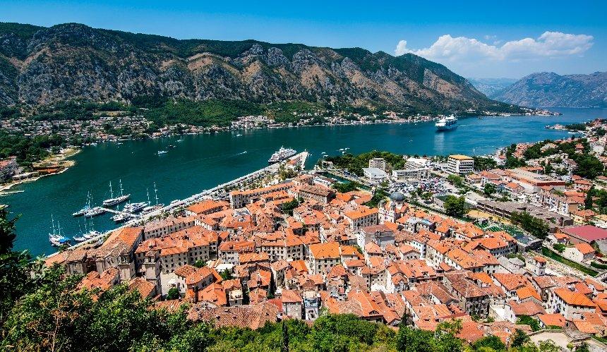 Черногория ужесточила условия въезда: подробности
