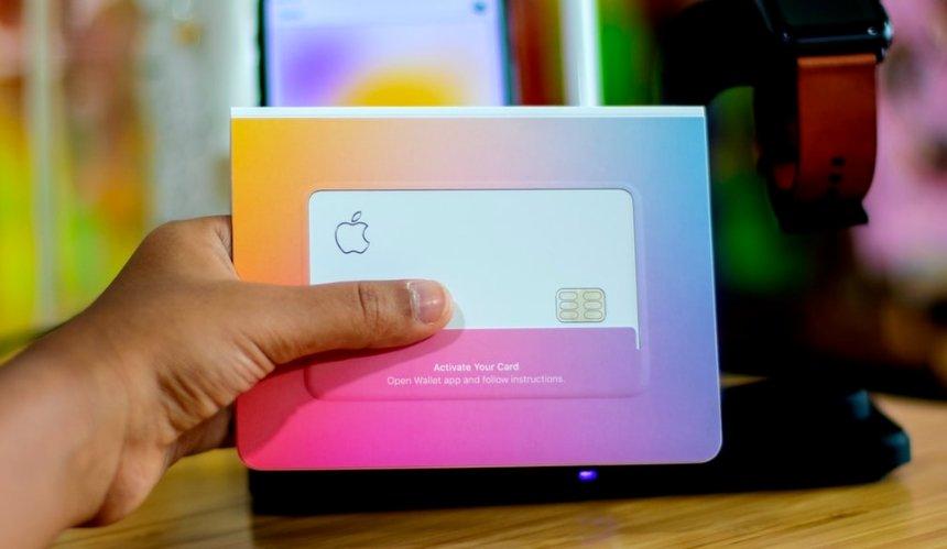 Apple начала выпускать собственные кредитные карты