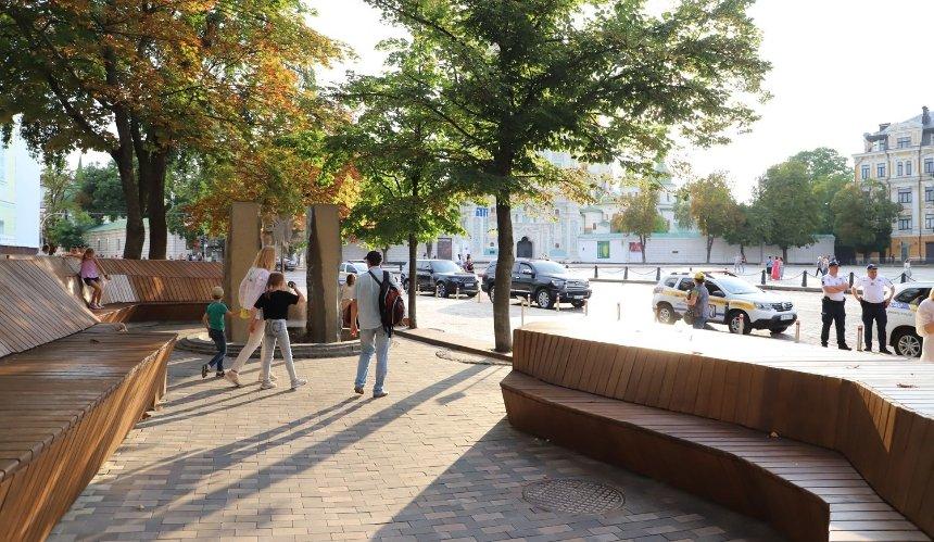 Возле Софии Киевской открыли обновленный Литовский сквер