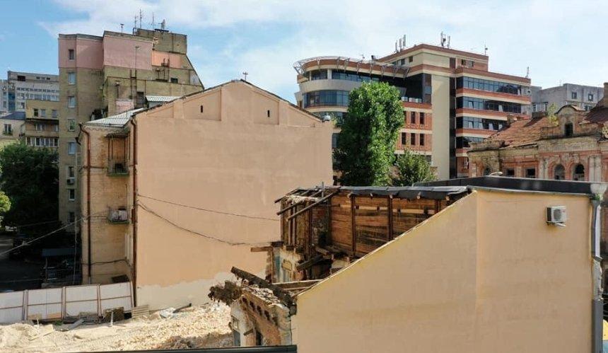 Застройщик демонтирует дом Малина на Тургеневской, несмотря на запрет