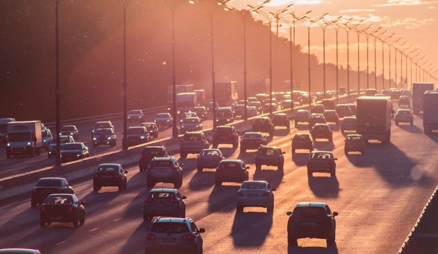 Улицы и мосты Киева сковали пятничные пробки: где нельзя проехать