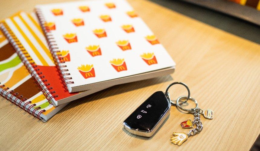 McDonald's запустил юбилейную благотворительную кампанию «Ладошка счастья»