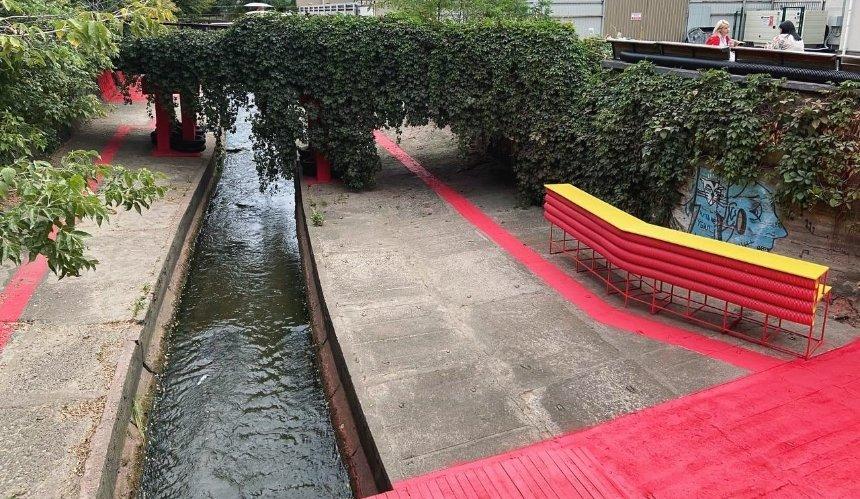 ВКиеве возле реки Лыбидь создали яркое пространство для прогулок