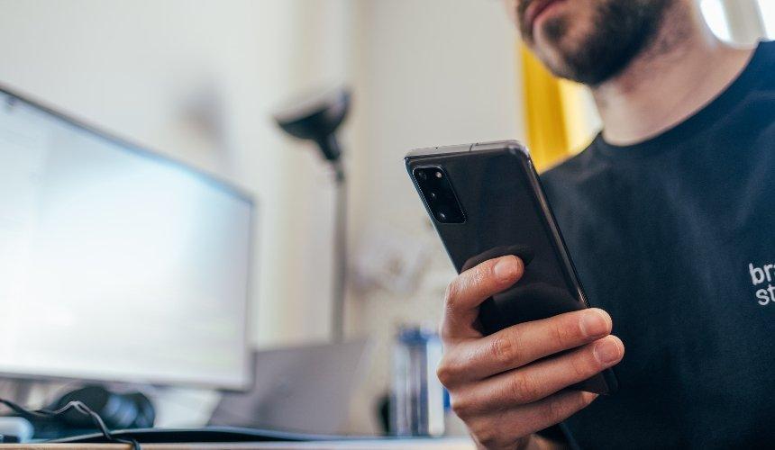 Смартфон вместо POS-терминала. ВУкраине запускают новое приложение