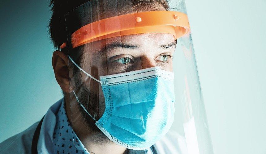 Пандемия с нами на 2-5лет, алокдаун возможен вноябре— главсанврач