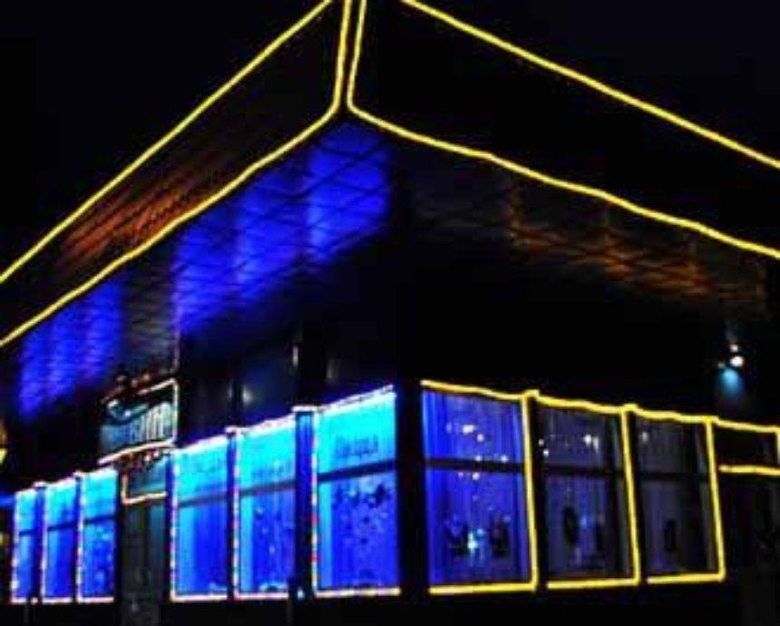 «Пингвин» скончался: легендарного кафе на Куреневке больше нет