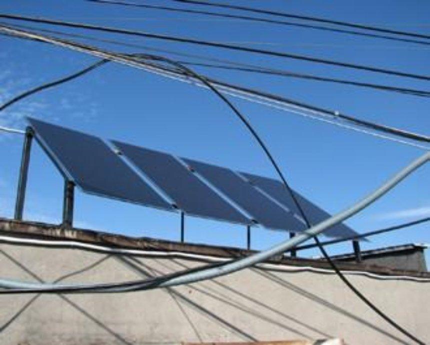 Подъезд, подключенный к Солнцу: солнечные батареи на многоэтажке