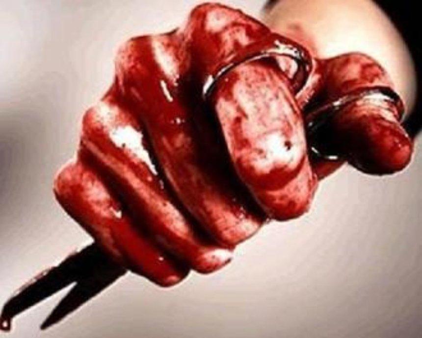 В Киеве возле кафе убили ножницами мужчину