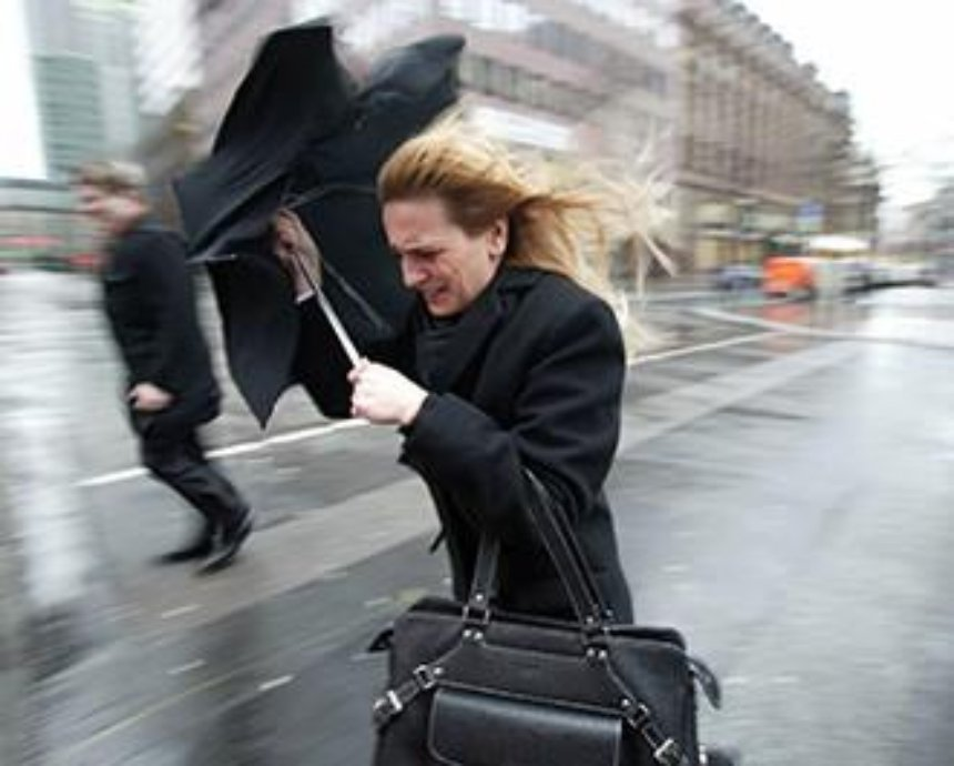 Завтра в столице ожидаются очень сильные порывы ветра