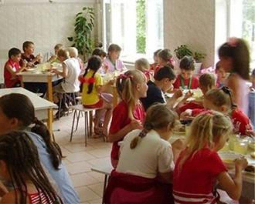 Киевские школьники будут питаться за 12 гривен в день