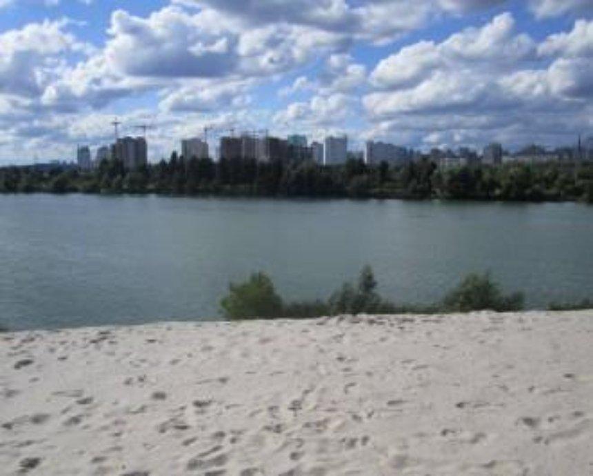 На Позняках активисты полностью восстановили озеро