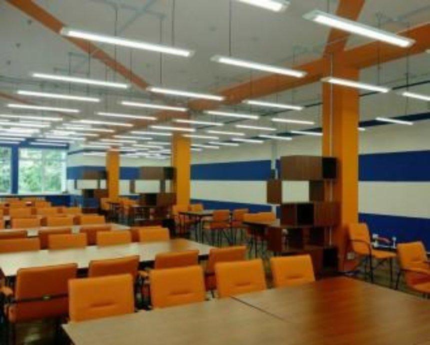 Студенты превратили библиотеку киевского ВУЗа в коворкинг