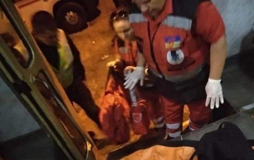 В Киеве человек попал под трамвай (фото)