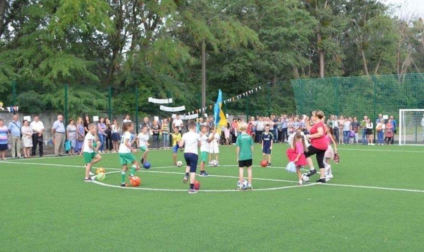 В столице открыли еще одно поле для мини-футбола