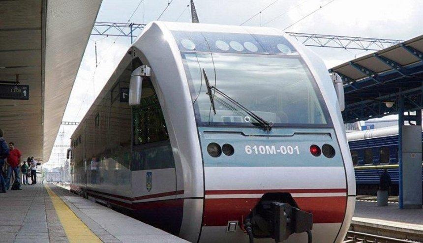 Сколько поездов подготовила «Укрзализныця» для маршрута в«Борисполь»