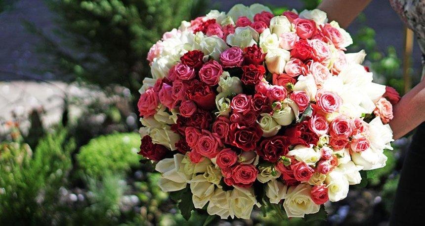 101 роза: каким должен быть букет? Доставка цветов в Киеве