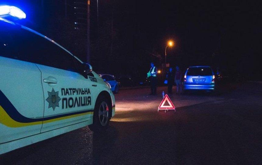 В Киеве на пешеходном переходе сбили первокурсницу (фото)