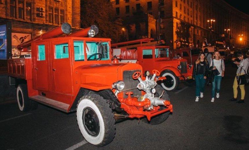 В центр столицы стянули множество пожарных машин (фото)