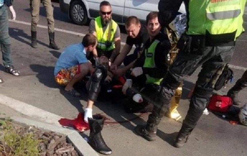 В результате аварии мотоциклист потерял ногу (фото)