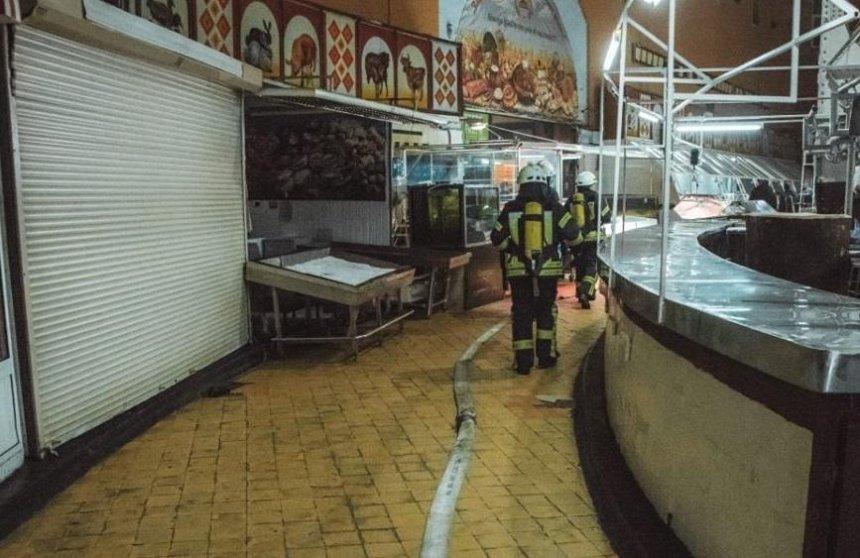В Киеве горел Бессарабский рынок (фото)