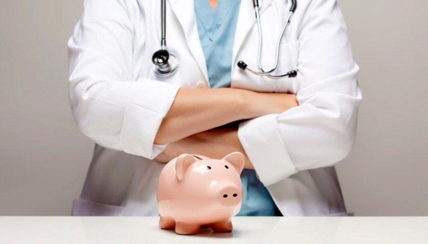 Аналитики рассказали, как семейный врач может заработать 16 500 гривен