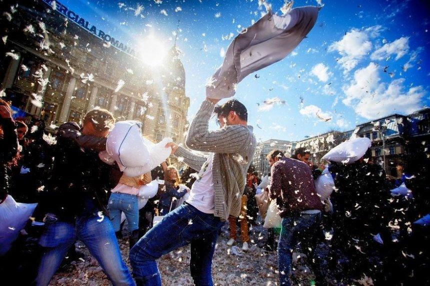 В Киеве устроят антистрессовый фестиваль, где будут бить тарелки и драться подушками