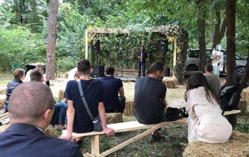 В Голосеевском парке проходит фестиваль «Голосіївська Криївка» (фото)