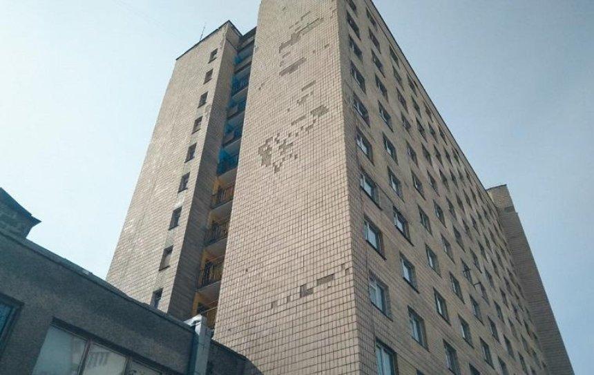 В Киеве у общежития разбился студент-первокурсник