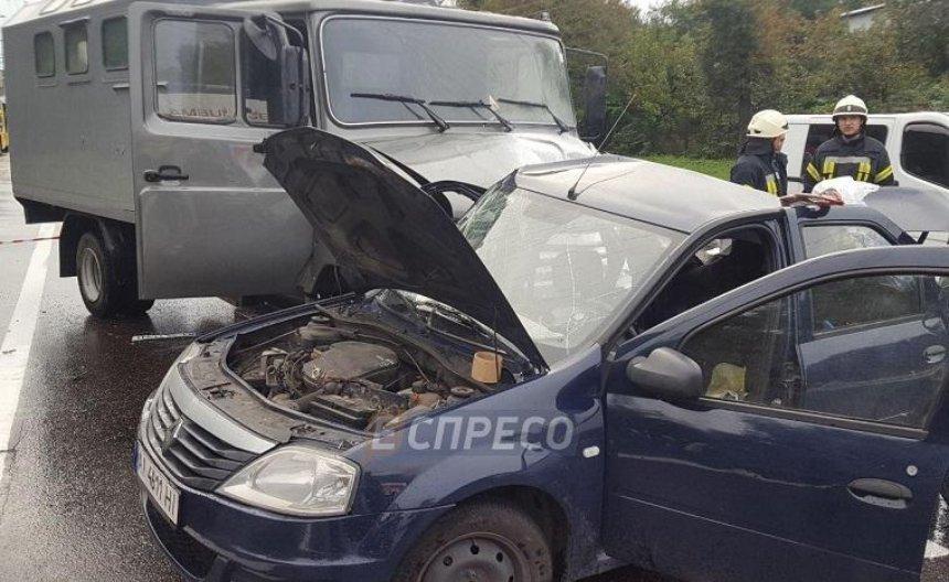 В Києві у ДТП загинув поліцейський, що їхав на роботу (фото, відео) (оновлено)
