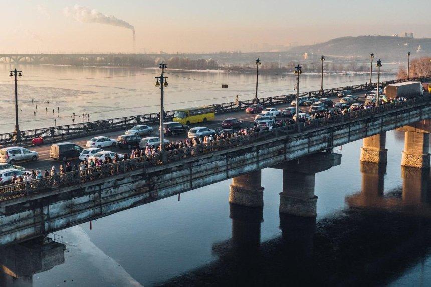 Восемь полос и велодорожка: каким будет мост Патона после реконструкции