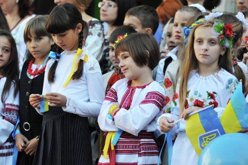 Окружной суд просят отменить решение Кличко об исполнении гимна Украины в школах