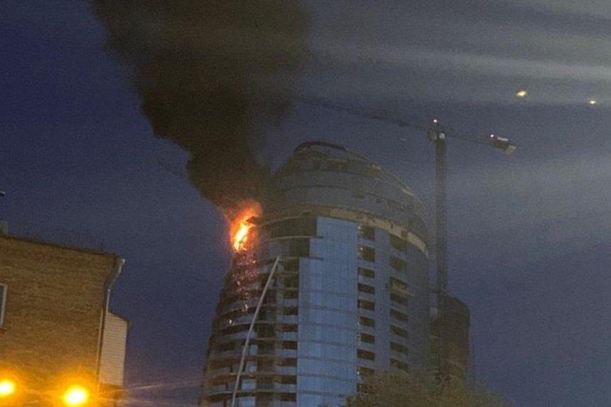 На Печерске горит небоскреб Taryan Towers (обновлено)