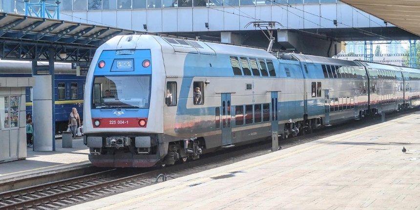 Из Киева в Черкассы хотят запустить двухэтажные поезда Skoda