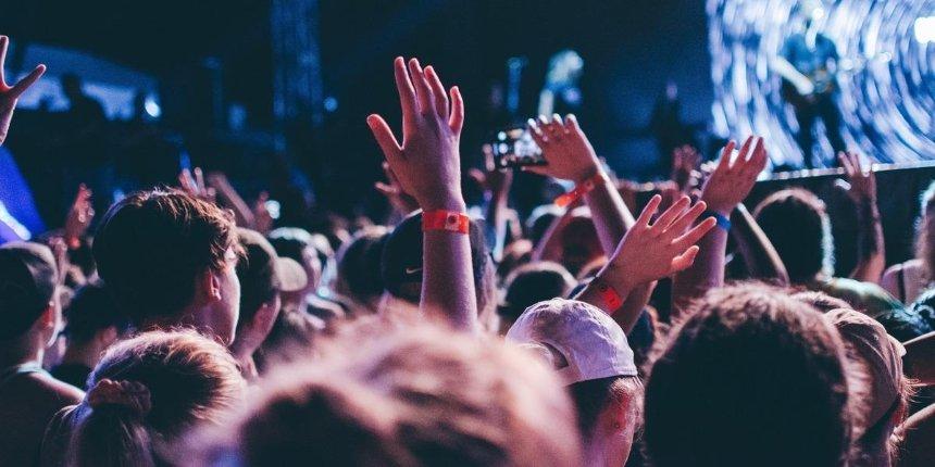 Кабмин разрешил проводить концерты в «зеленой» зоне при одном условии