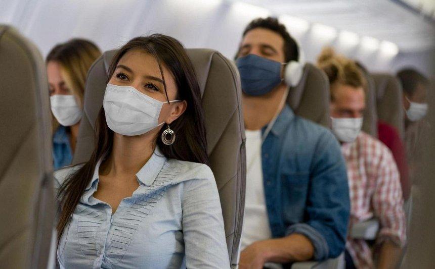 Украинских туристов, зараженных коронавирусом, отправили в Киев вместе с остальными пассажирами