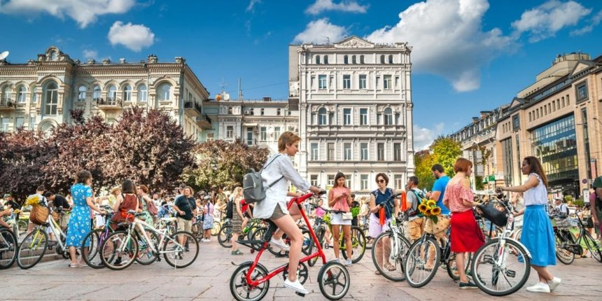 Киевлян приглашают на велоэкскурсию по историческому центру Киева