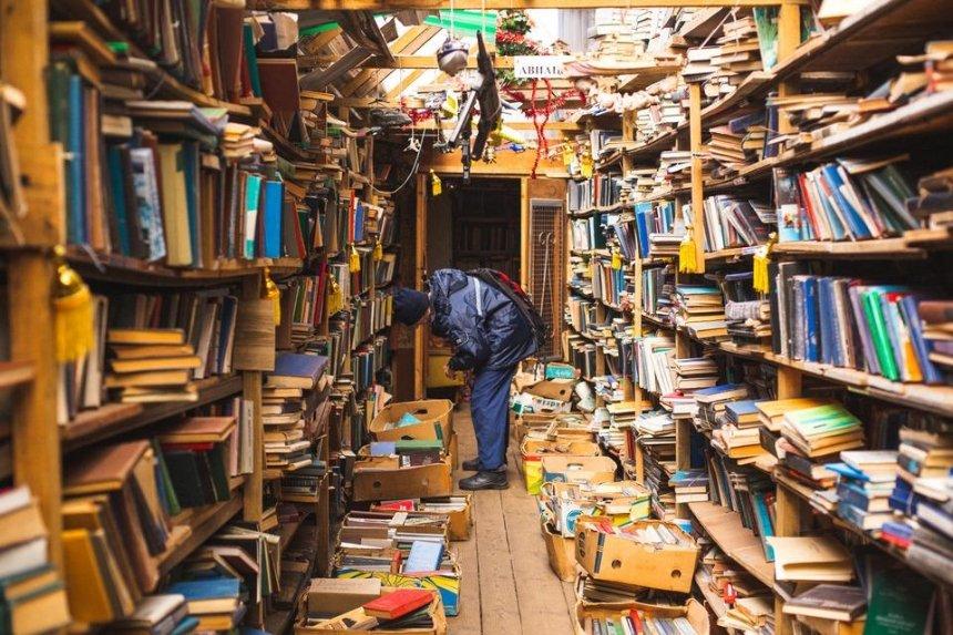 Защитники книжного рынка «Петровка» собрали 25 тысяч подписей под обращением к Зеленскому