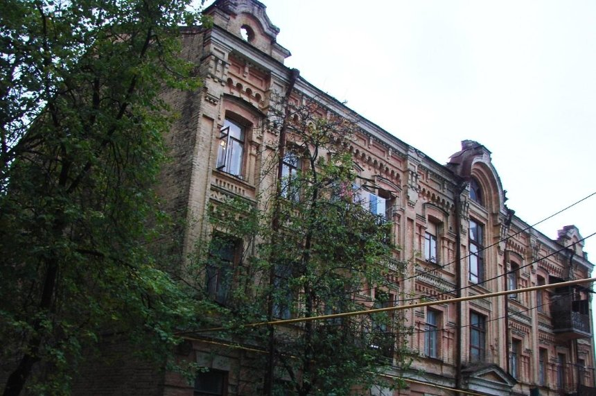 В Киеве могут снести шесть исторических зданий: что можно сделать для их спасения
